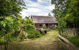 Αγροτικό τοπίο με μια ξύλινη καλύβα - Spreewald, Γερμανία Στοκ Φωτογραφίες