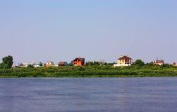 Αγροτικό τοπίο με τη λίμνη Στοκ εικόνα με δικαίωμα ελεύθερης χρήσης