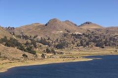 Αγροτικό τοπίο στη λίμνη Titicaca, Βολιβία Στοκ Φωτογραφία