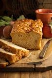 Αγροτικό ύφος ψωμιού της Apple Στοκ φωτογραφία με δικαίωμα ελεύθερης χρήσης