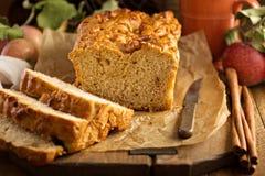 Αγροτικό ύφος ψωμιού της Apple Στοκ εικόνα με δικαίωμα ελεύθερης χρήσης