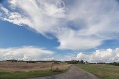 Αγρόκτημα κατά μήκος του τρόπου Στοκ φωτογραφίες με δικαίωμα ελεύθερης χρήσης