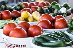 Αγρόκτημα στα επιτραπέζια λαχανικά στην αγορά αγροτών Στοκ εικόνα με δικαίωμα ελεύθερης χρήσης