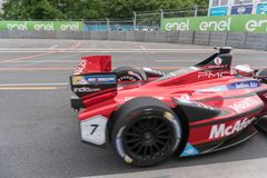 Αγωνιστικό αυτοκίνητο τύπου Ε McAfee στη πίστα αγώνων Στοκ Εικόνα