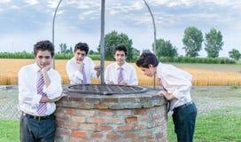 Αγόρια πέρα από καλά Στοκ φωτογραφίες με δικαίωμα ελεύθερης χρήσης