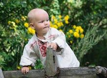 Αγόρι ενός έτους βρεφών στο αυτοκίνητο Στοκ φωτογραφία με δικαίωμα ελεύθερης χρήσης