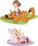 Αγόρι και κορίτσι κινούμενων σχεδίων με το σκυλί και τη γάτα pets ελεύθερη απεικόνιση δικαιώματος