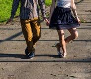 Αγόρι και κορίτσι curtsy Στοκ φωτογραφίες με δικαίωμα ελεύθερης χρήσης