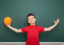 Αγόρι και ο σχολικός πίνακας Στοκ φωτογραφία με δικαίωμα ελεύθερης χρήσης