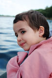 αγόρι λίγο ταξίδι ποταμών Στοκ Εικόνες