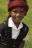 Αγόρι μέσα στα παραδοσιακά ενδύματα Flores Ινδονησία Στοκ εικόνα με δικαίωμα ελεύθερης χρήσης