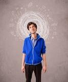 Αγόρι με τις αφηρημένα κυκλικά γραμμές και τα εικονίδια doodle Στοκ Φωτογραφίες
