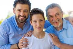 Αγόρι με τον πατέρα και τον παππού Στοκ Φωτογραφία