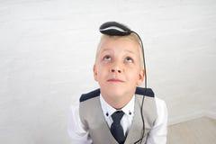 Αγόρι με το ποντίκι υπολογιστών Στοκ εικόνα με δικαίωμα ελεύθερης χρήσης