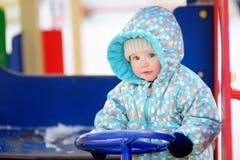 Αγόρι μικρών παιδιών στην παιδική χαρά Στοκ Φωτογραφία