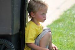 Αγόρι μικρών παιδιών Pouty στοκ εικόνα