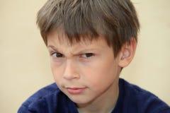 αγόρι μπερδεμένο Στοκ φωτογραφία με δικαίωμα ελεύθερης χρήσης