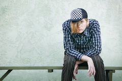 αγόρι πάγκων εφηβικό Στοκ φωτογραφίες με δικαίωμα ελεύθερης χρήσης