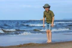 αγόρι παραλιών ευτυχές Στοκ εικόνες με δικαίωμα ελεύθερης χρήσης
