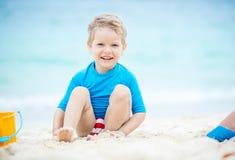 αγόρι παραλιών χαριτωμένο &lambd Στοκ φωτογραφίες με δικαίωμα ελεύθερης χρήσης