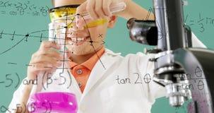 Αγόρι που αναμιγνύει τις χημικές ουσίες 4k φιλμ μικρού μήκους
