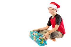Αγόρι προ-εφήβων με ένα δώρο Χριστουγέννων Στοκ εικόνα με δικαίωμα ελεύθερης χρήσης