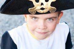 Αγόρι σε ένα καπέλο πειρατών Στοκ Εικόνες