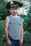 Αγόρι σε ένα κοστούμι πειρατών Στοκ Εικόνες