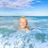 Αγόρι σε μια θάλασσα Στοκ Εικόνες