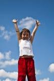Αγόρι στην ανασκόπηση ουρανού Στοκ Εικόνα