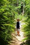 Αγόρι στους τροπικούς κύκλους Στοκ φωτογραφίες με δικαίωμα ελεύθερης χρήσης