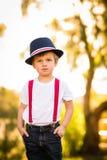 Αγόρι στο μπλε fedora Στοκ εικόνες με δικαίωμα ελεύθερης χρήσης