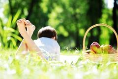 Αγόρι στο πάρκο Στοκ Φωτογραφία