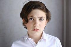 Αγόρι Preteen με τη λυπημένη έκφραση Στοκ φωτογραφία με δικαίωμα ελεύθερης χρήσης