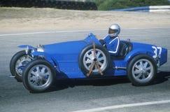 Αγώνας ενός κλασικού αθλητικού αυτοκινήτου Bugatti στη Laguna Seca κλασική φυλή αυτοκινήτων στη Carmel, ασβέστιο Στοκ Εικόνα
