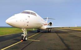 αεριωθούμενη ιδιωτική πλάγια όψη αεροπλάνων πολυτέλειας Στοκ εικόνα με δικαίωμα ελεύθερης χρήσης