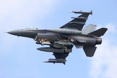 Αεριωθούμενο αεροπλάνο πολεμικό αεροσκάφος F-16 Στοκ φωτογραφία με δικαίωμα ελεύθερης χρήσης