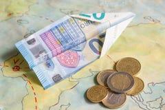 Αερογραμμές χαμηλότερου κόστους με το αεροπλάνο και την ευρο- έννοια χρημάτων Στοκ Εικόνα