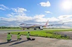 Αερογραμμές Hainan airbus a330, αερολιμένας Pulkovo, Ρωσία Άγιος-Πετρούπολη στις 11 Μαΐου 2016 Στοκ Εικόνα