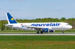 Αερογραμμές Nouveiair airbus a320, αερολιμένας Pulkovo, το Μάιο του 2017 της Ρωσίας Άγιος-Πετρούπολη Στοκ εικόνα με δικαίωμα ελεύθερης χρήσης