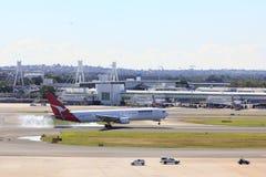αερολιμένας αεροπλάνων που προσγειώνεται το Σύδνεϋ Στοκ φωτογραφία με δικαίωμα ελεύθερης χρήσης