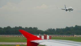 Αεροπλάνα πριν από την αναχώρηση απόθεμα βίντεο