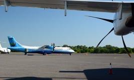 Αεροπλάνο αερογραμμών Mann Yadanarpon στον αερολιμένα του U Nyang Περιοχή του Mandalay Myanmar στοκ εικόνες