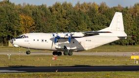 Αεροπλάνο μεταφοράς εμπορευμάτων Antonov ένας-12BP Στοκ Εικόνες