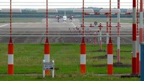 Αεροπλάνο που προσγειώνεται στο Ντίσελντορφ φιλμ μικρού μήκους