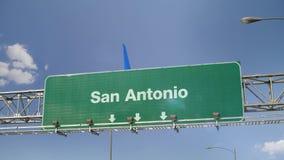 Αεροπλάνο που προσγειώνεται το San Antonio απόθεμα βίντεο