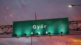 Αεροπλάνο που προσγειώνεται Gyor κατά τη διάρκεια μιας θαυμάσιας ανατολής ουγγρικά διανυσματική απεικόνιση