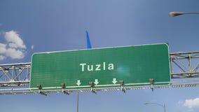 Αεροπλάνο που προσγειώνεται Tuzla απόθεμα βίντεο