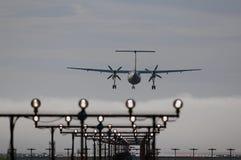 Αεροπλάνο πρίν προσγειώνεται Στοκ Εικόνα