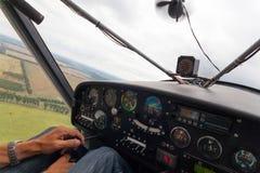 αεροπλάνο πτήσης μικρό Στοκ εικόνες με δικαίωμα ελεύθερης χρήσης